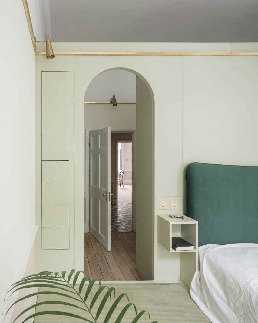 Bedroom of Upper Wimpole Street apartment by Jonathan Tuckey Design