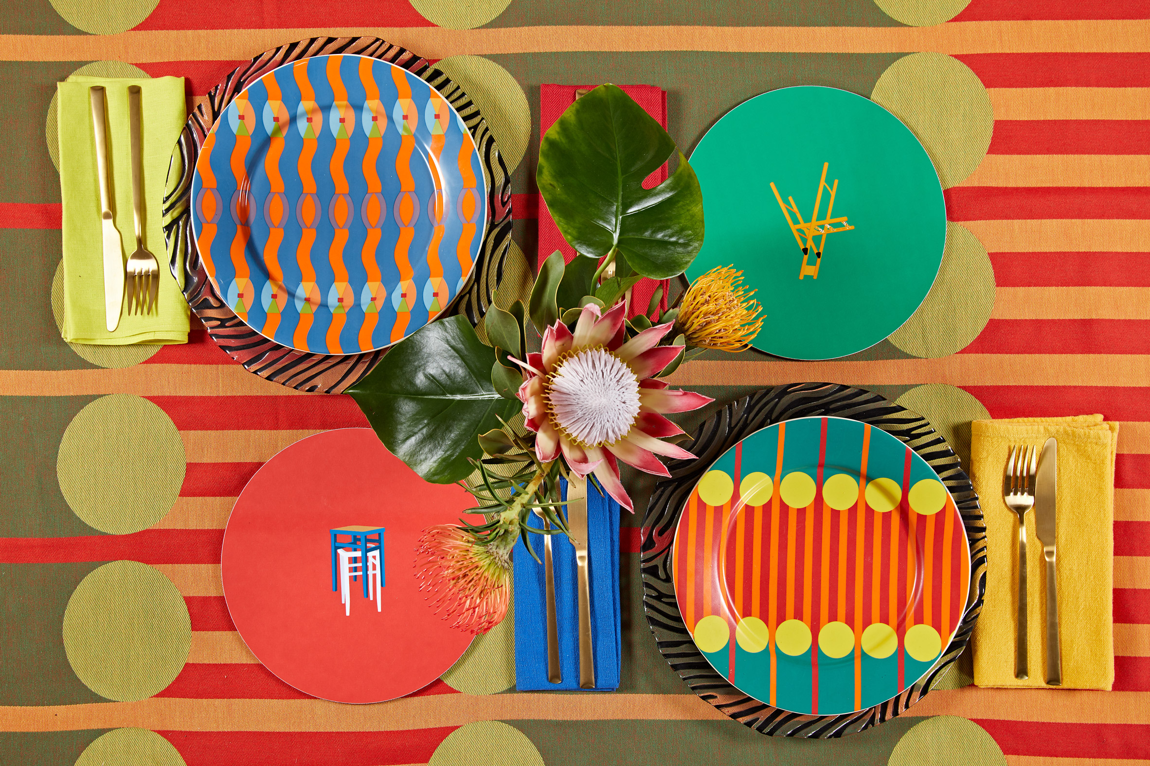 Omi plate, Parable placemats, Aami Aami plate and tablecloth