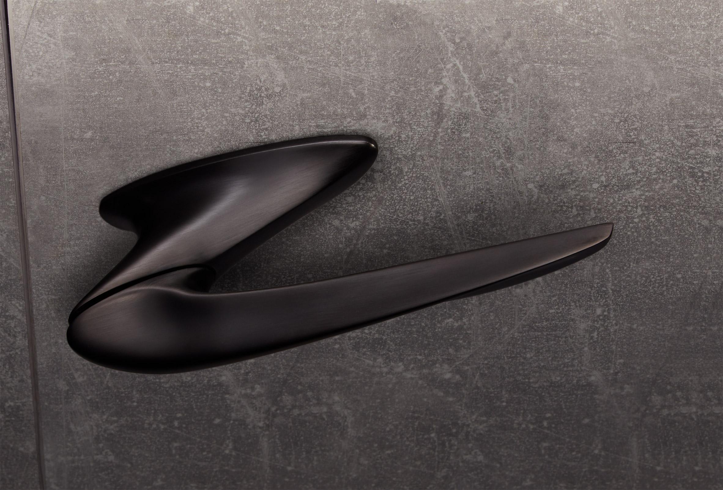 Black Nexxa door handle by Zaha Hadid Architects and Izé