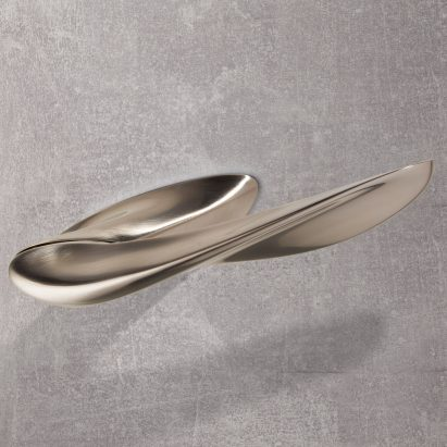 Silver Nexxa door handle by Zaha Hadid Architects and Izé