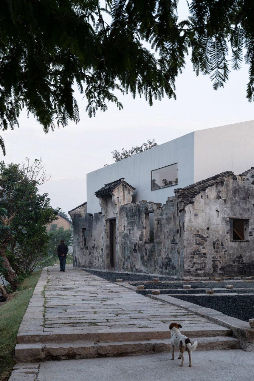 The main gallery of Zhang Yan Cultural Museum by Shenzhen Horizontal Design