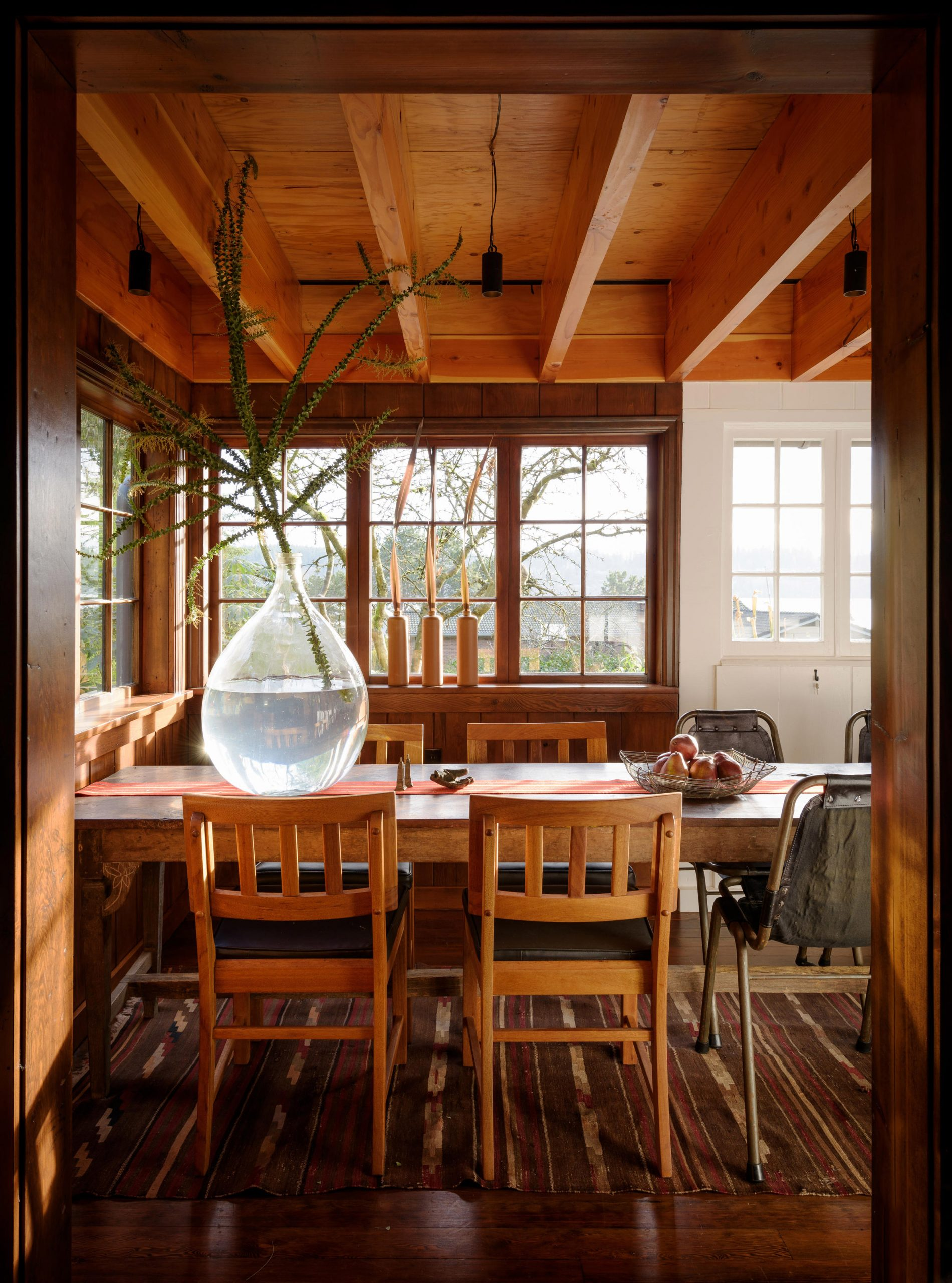 Dining room Agate Pass Cabin by Olson Kundig Architects