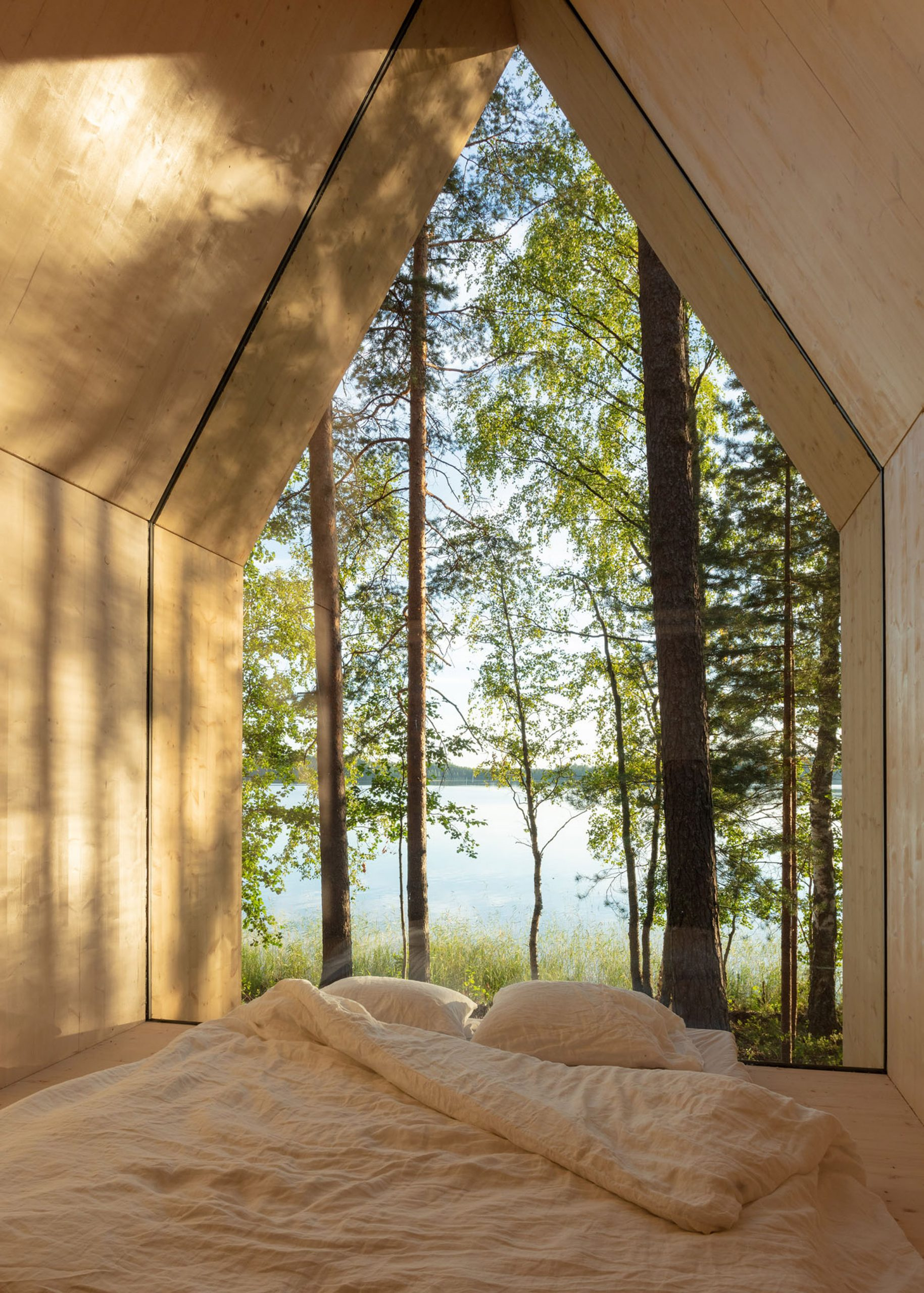 Bed of Kynttilä cabin by Ortraum Architects