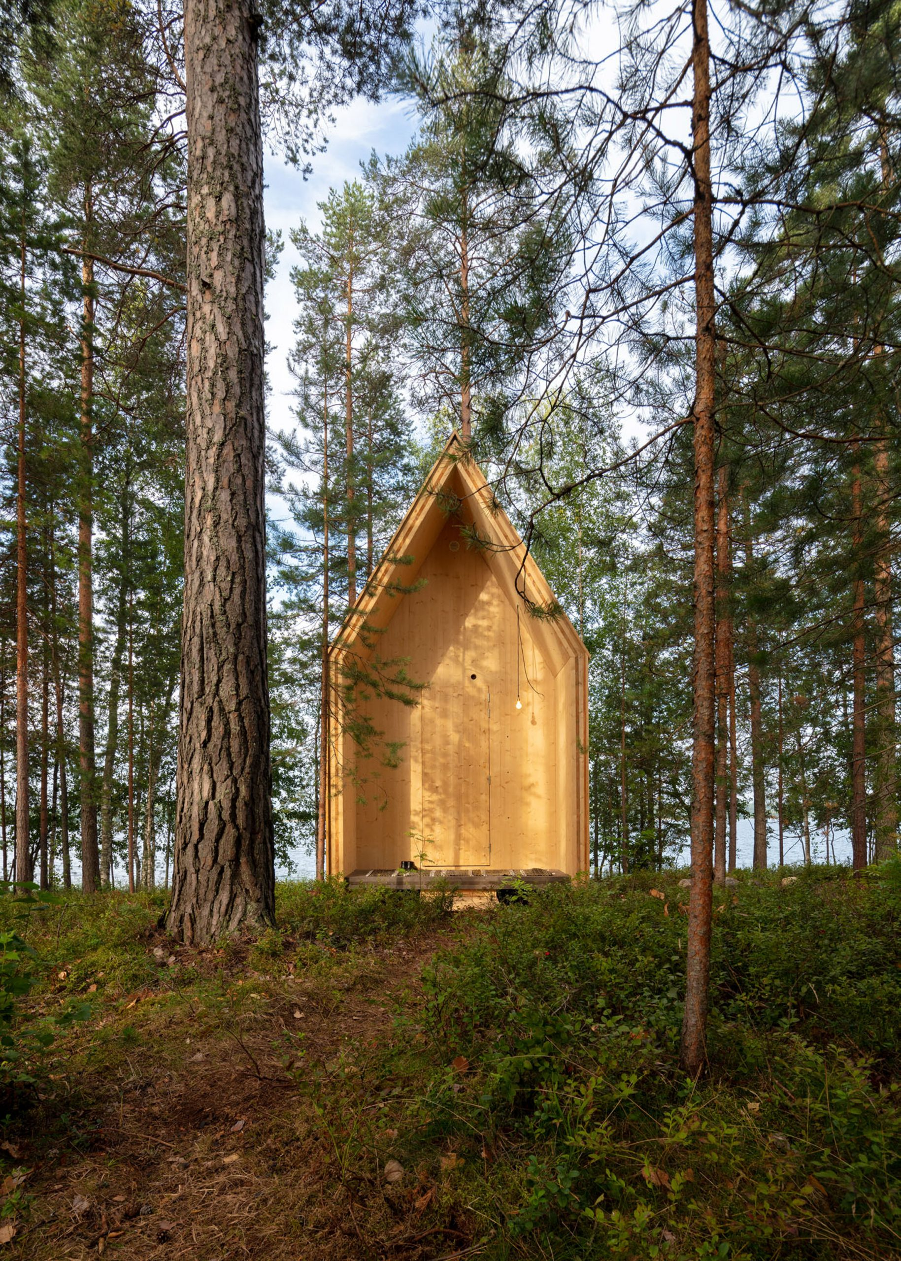 Exterior of Kynttilä cabin by Ortraum Architects