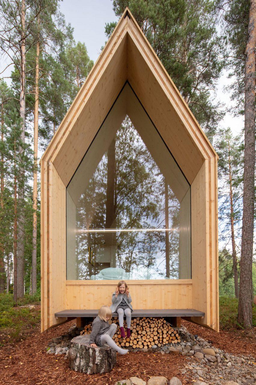 Rear porch of Kynttilä by Ortraum Architects