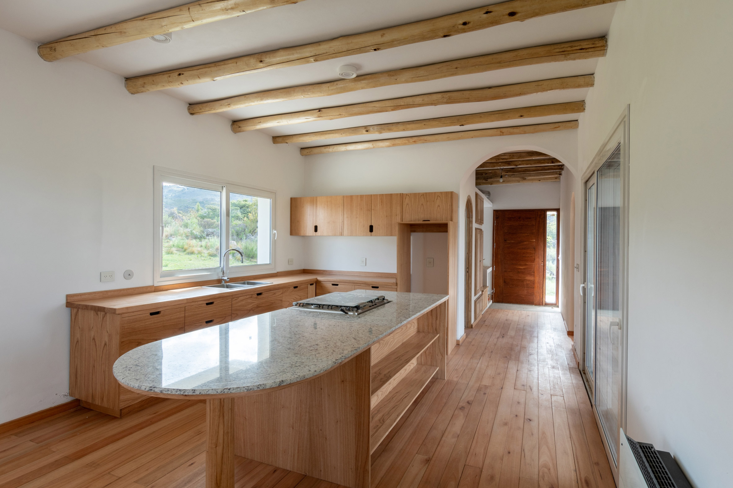 Kitchen in Casa Elisa by Grupo Boreal