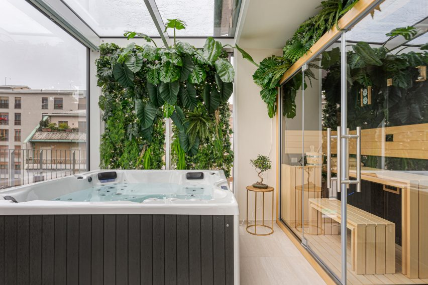 Outdoor terrace of Defhouse for influencers in Milan