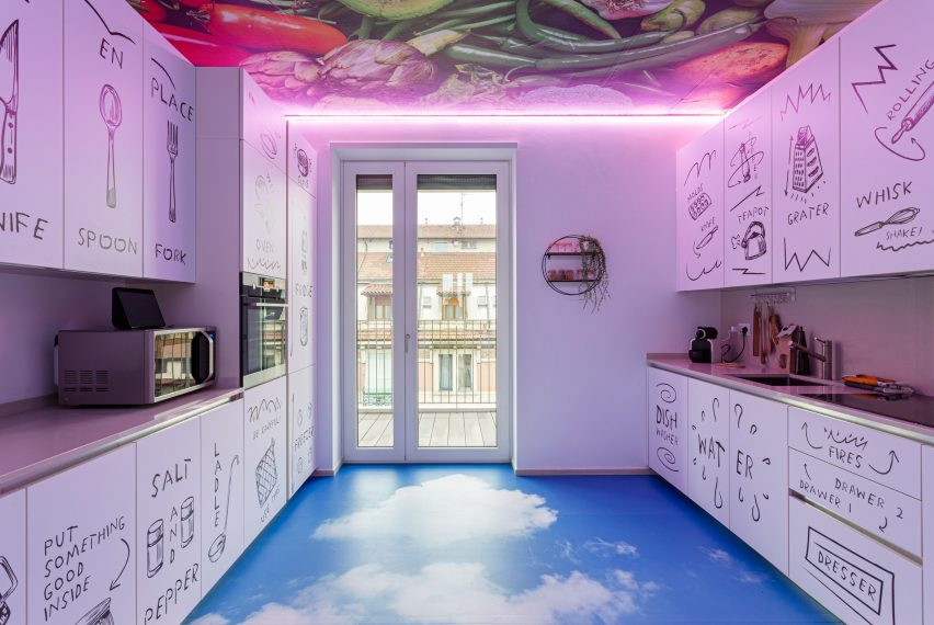 Kitchen of Defhouse for influencers in Milan