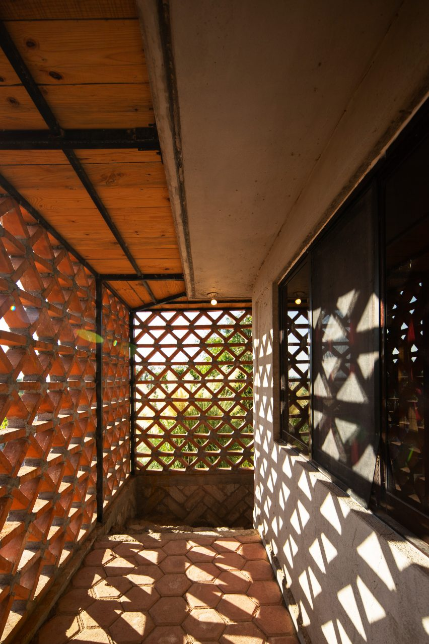 Brickwork lattice of Hñähñu Multimedia Center by Aldana Sanchez Architects