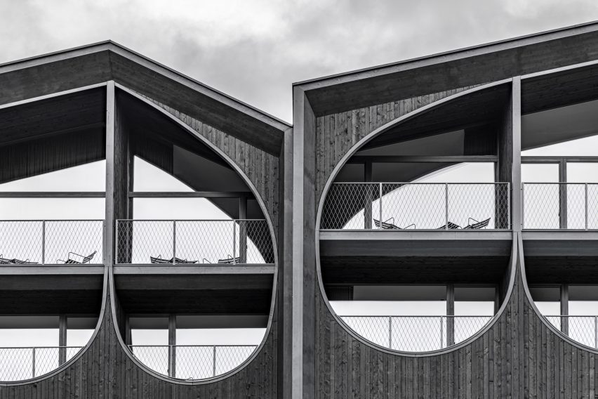A detailed photo of Hotel Milla Montis' facade by Peter Pichler Architecture