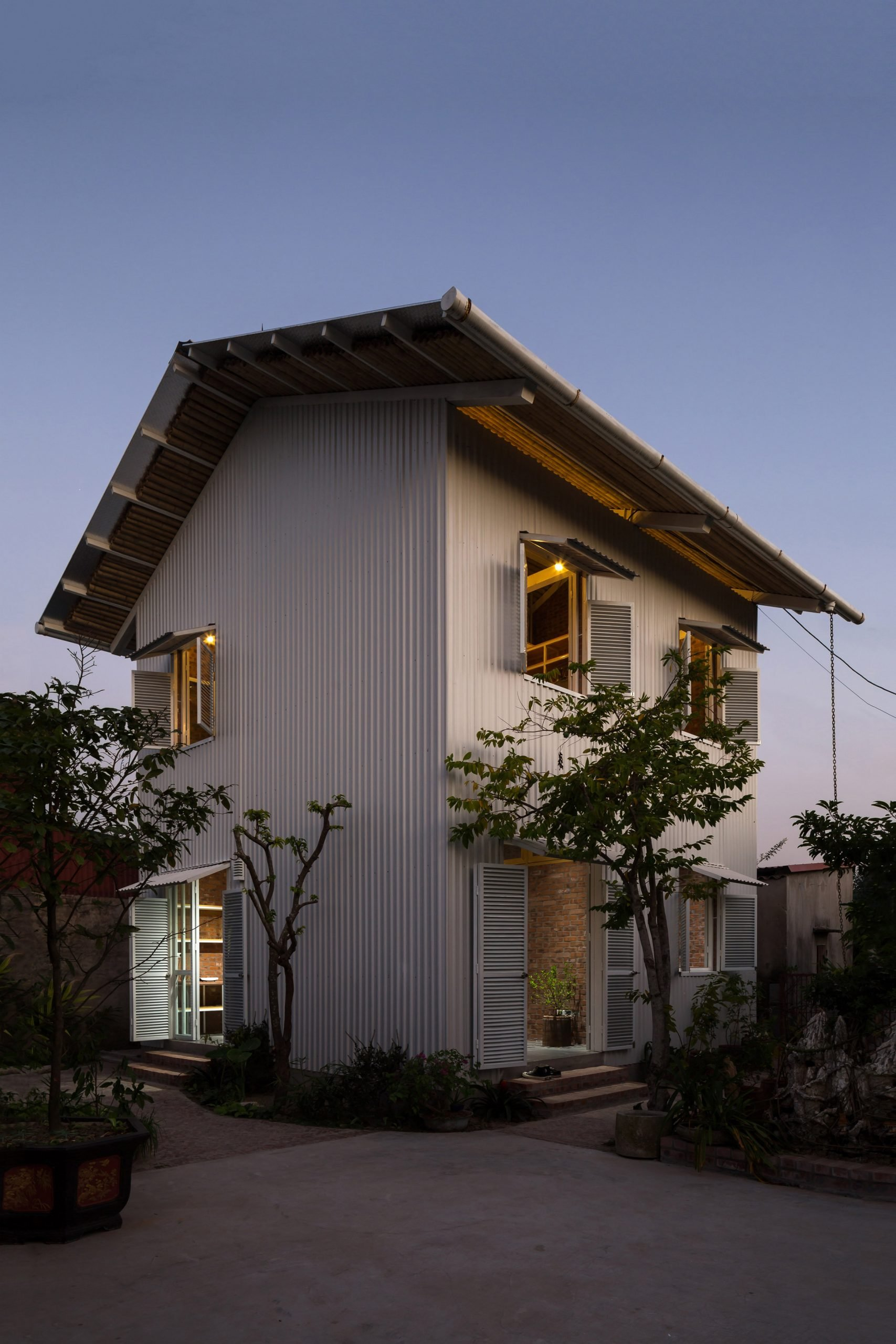 Night view of HOUSE by H&P Architects