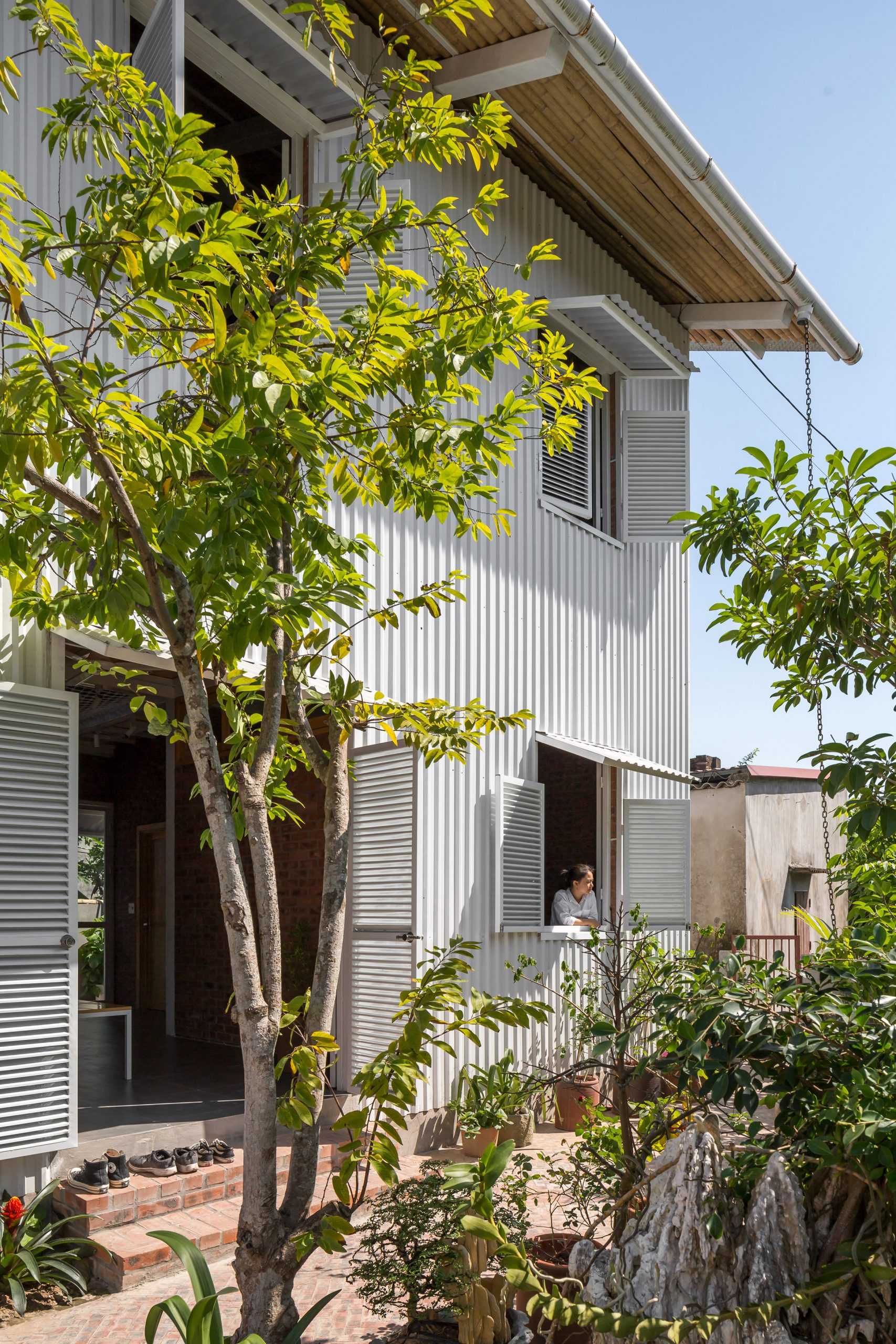 Facade of HOUSE by H&P Architects