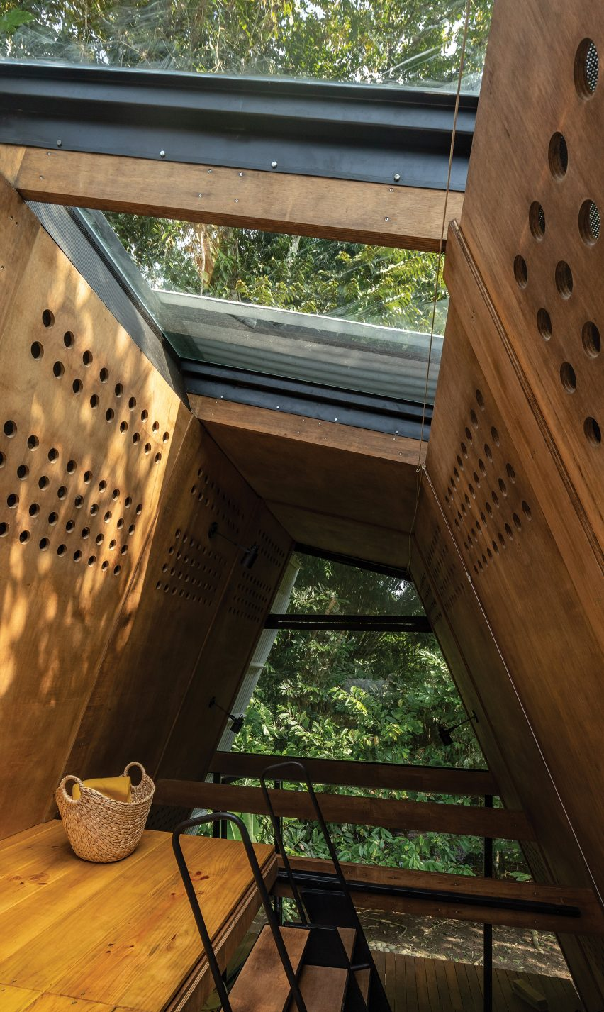 The upper level of the Huaira cabin by Diana Salvador and Javier Mera in Ecuador