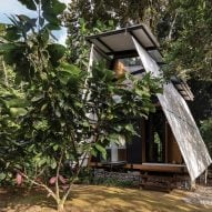 The exterior of the Huaira cabin by Diana Salvador and Javier Mera in Ecuador