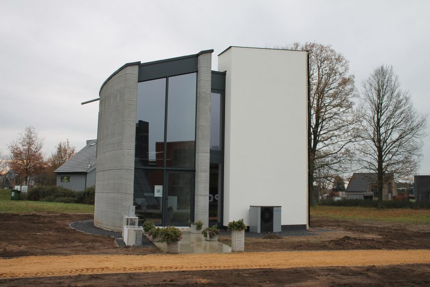 Exterior of 3D-printed house Kamp C, Westerlo, Belgium