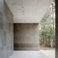Entrance in Loenen Pavilion by Kaan Architecten