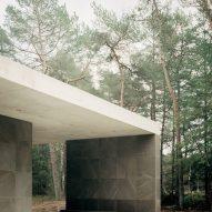 Concrete roof of Loenen Pavilion by Kaan Architecten
