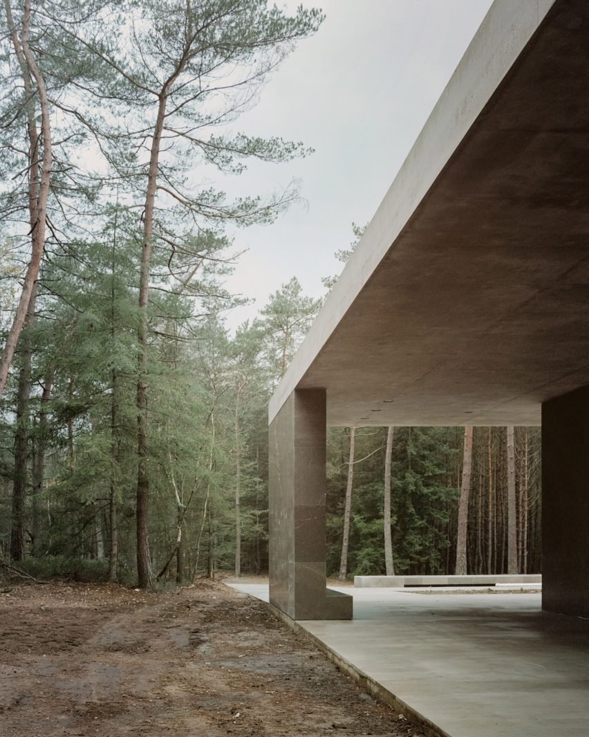 Roof and walls of Loenen Pavilion by Kaan Architecten