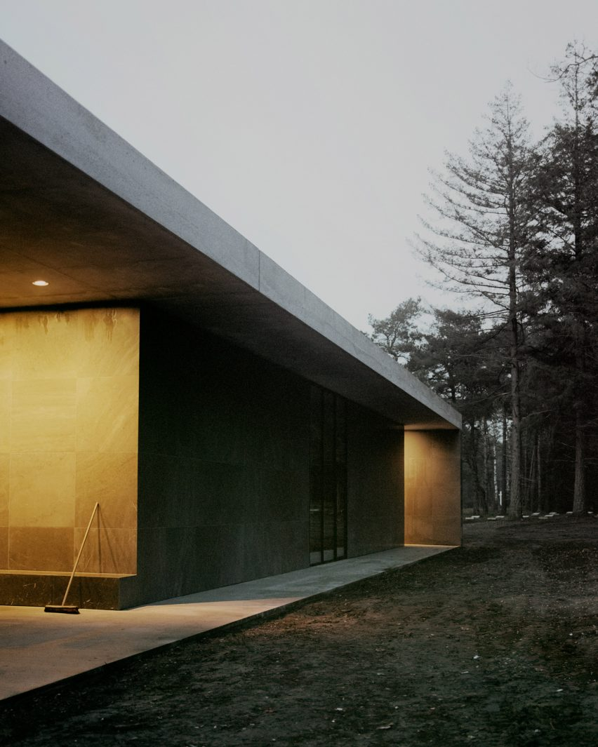 Night view of Loenen Pavilion by Kaan Architecten