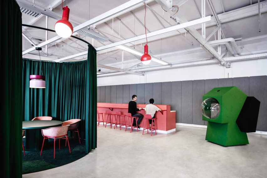 Coloured zones in LOQI Activity Office by Studio Aisslinger