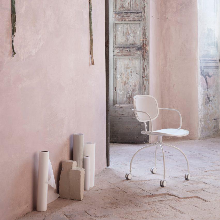 White version of the Magenta chair by Raffaella Mangiarotti for IOC Project Partners