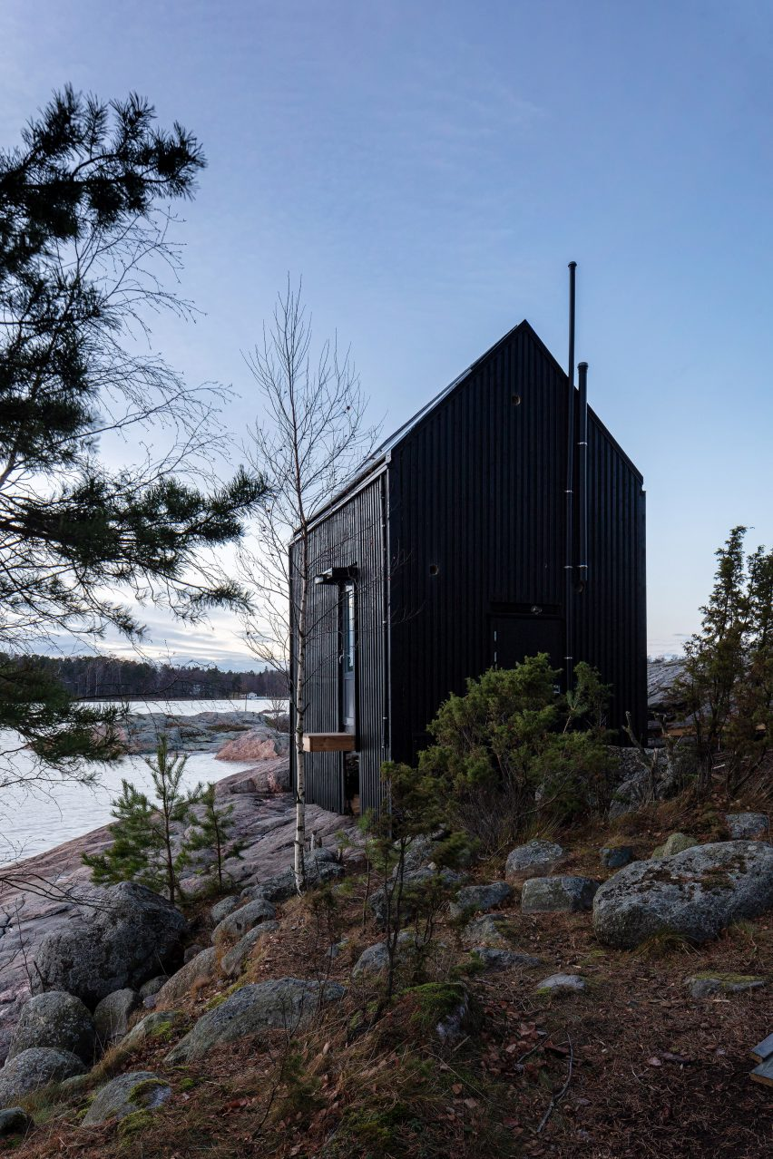 Exterior view of Majamaja, and off-grid cabin by Pekka Littow