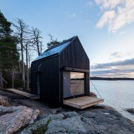 Majamaja is an off-grid seaside cabin near Helsinki