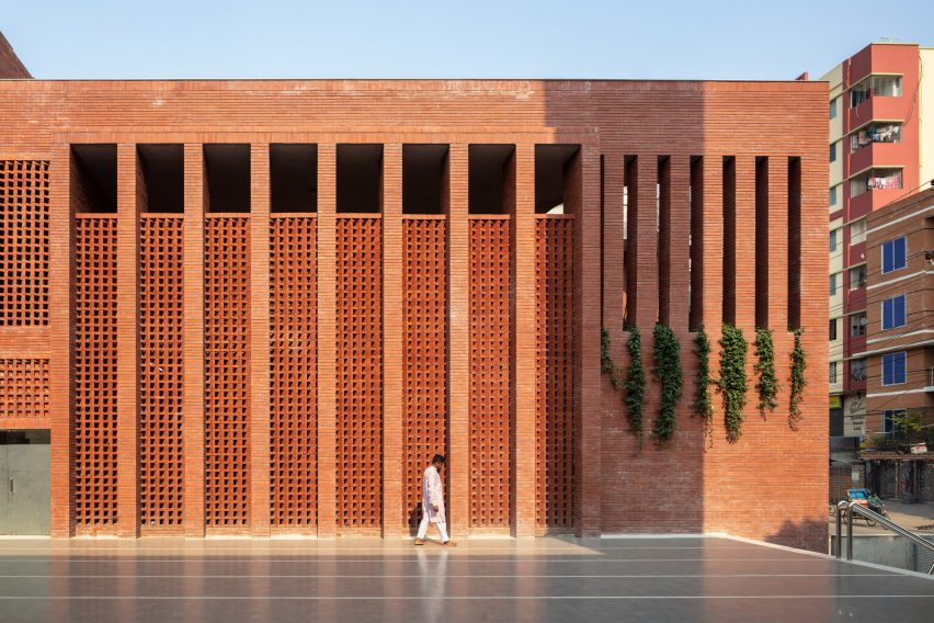 Shatotto designed the Mayor Mohammad Hanif Jame Mosque