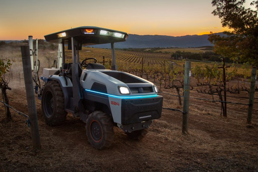 The fully electric and autonomous Monarch Tractor