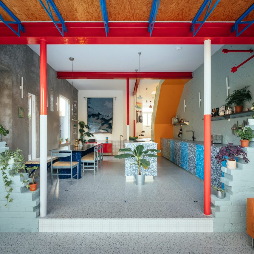 Red and white columns in Mountain View by CAN Architecture