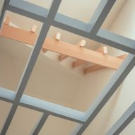Exposed ceiling rafters in Mountain View by CAN Architecture