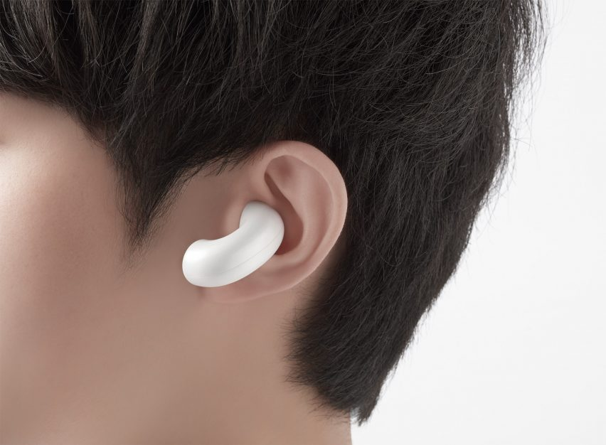 The Music-Link mobile accessory collection by Nendo for OPPO includes a pair of wireless earbuds