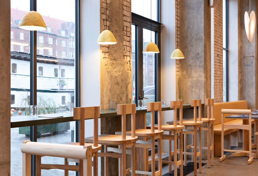 Window seats in POPL burger restaurant by Spacon & X and e15 for Noma