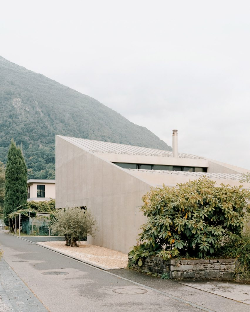 A view of Pyramid House in Switzerland by DF_DC from the street