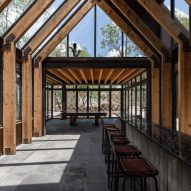 Eating area at Rancho Sierra Allende by Fabián M Escalante H Arquitectos