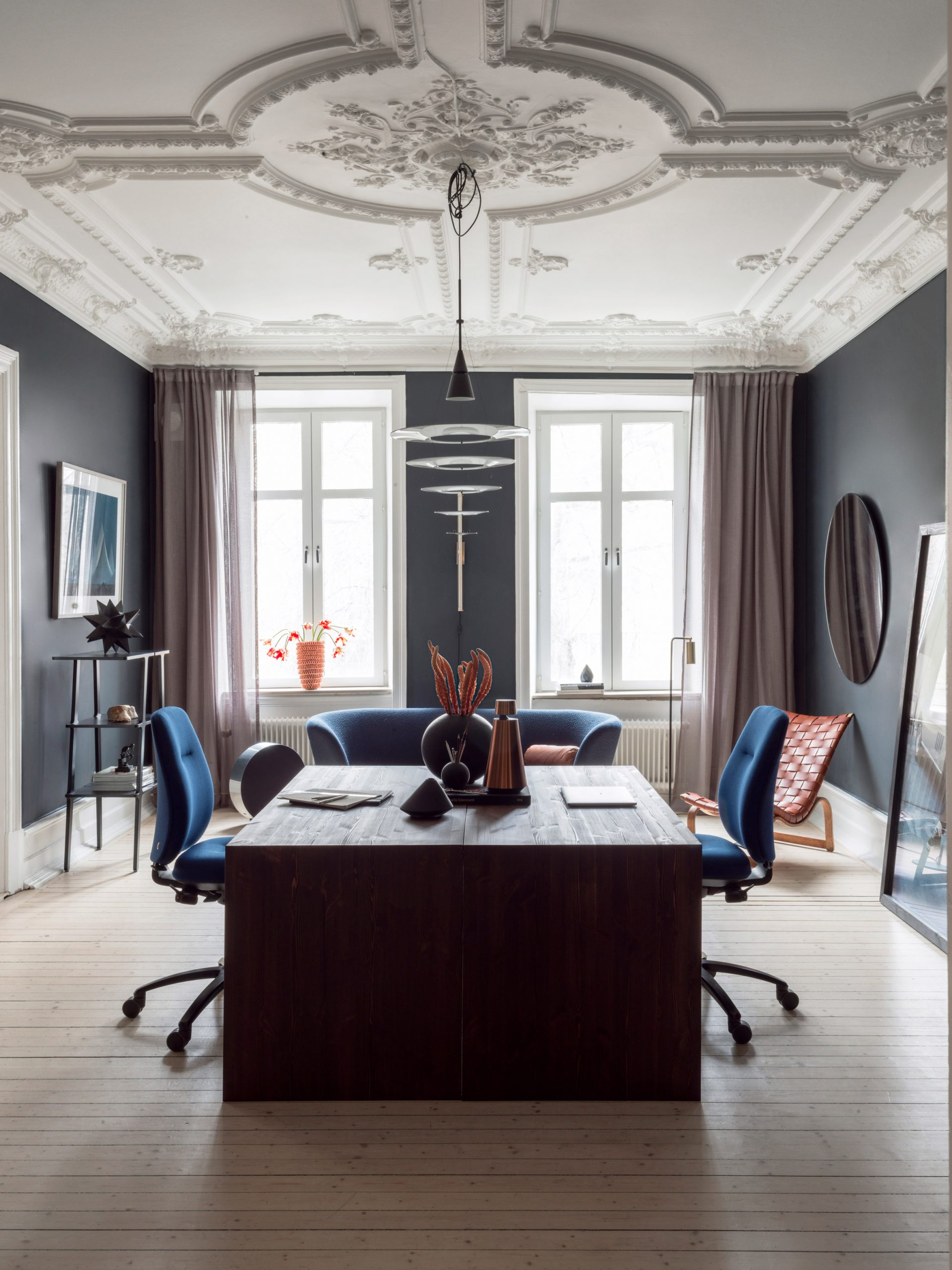 Interior featuring the RH New Logic chair by Flokk