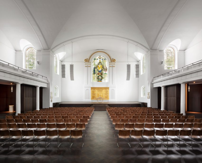 The refurbished nave of St John at Hackney by John Pawson and Thomas Ford & Partners