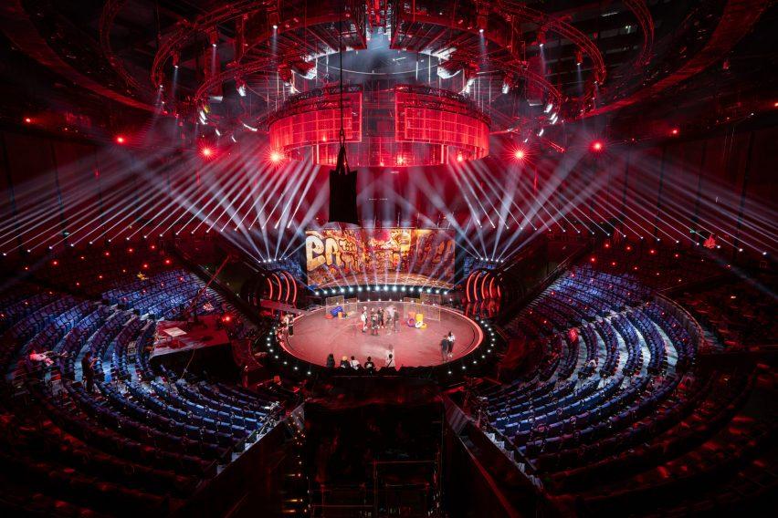 Auditorium with circular stage