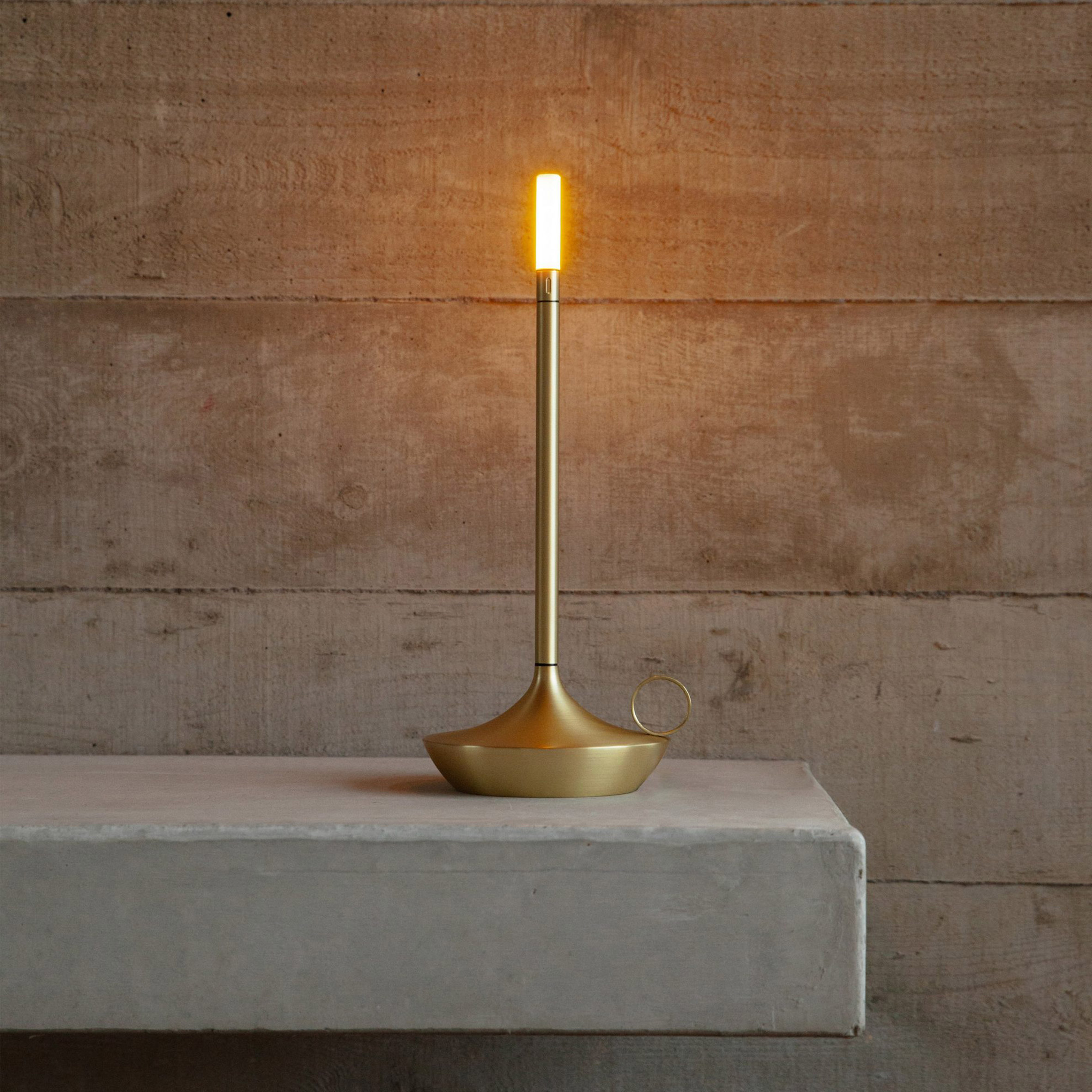 Wick portable lighting fixture by Graypants