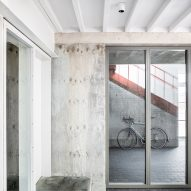 Concrete wall in Yorkton Workshops by Pearson Lloyd and Cassion Castle Architects