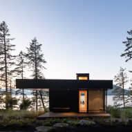 Office of McFarlane Biggar Architects + Designers creates off-grid contemporary cabin