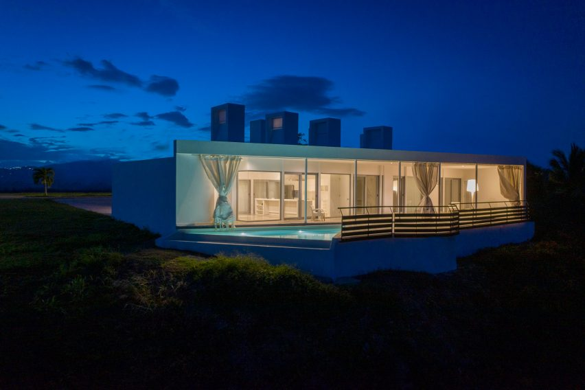 Pool of Casa Flores by Fuster + Architects