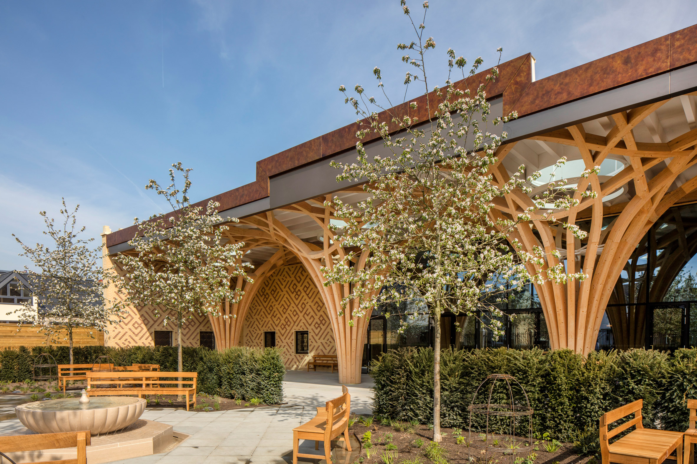 Pillars at Cambridge Central Mosque by Marks Barfield Architects