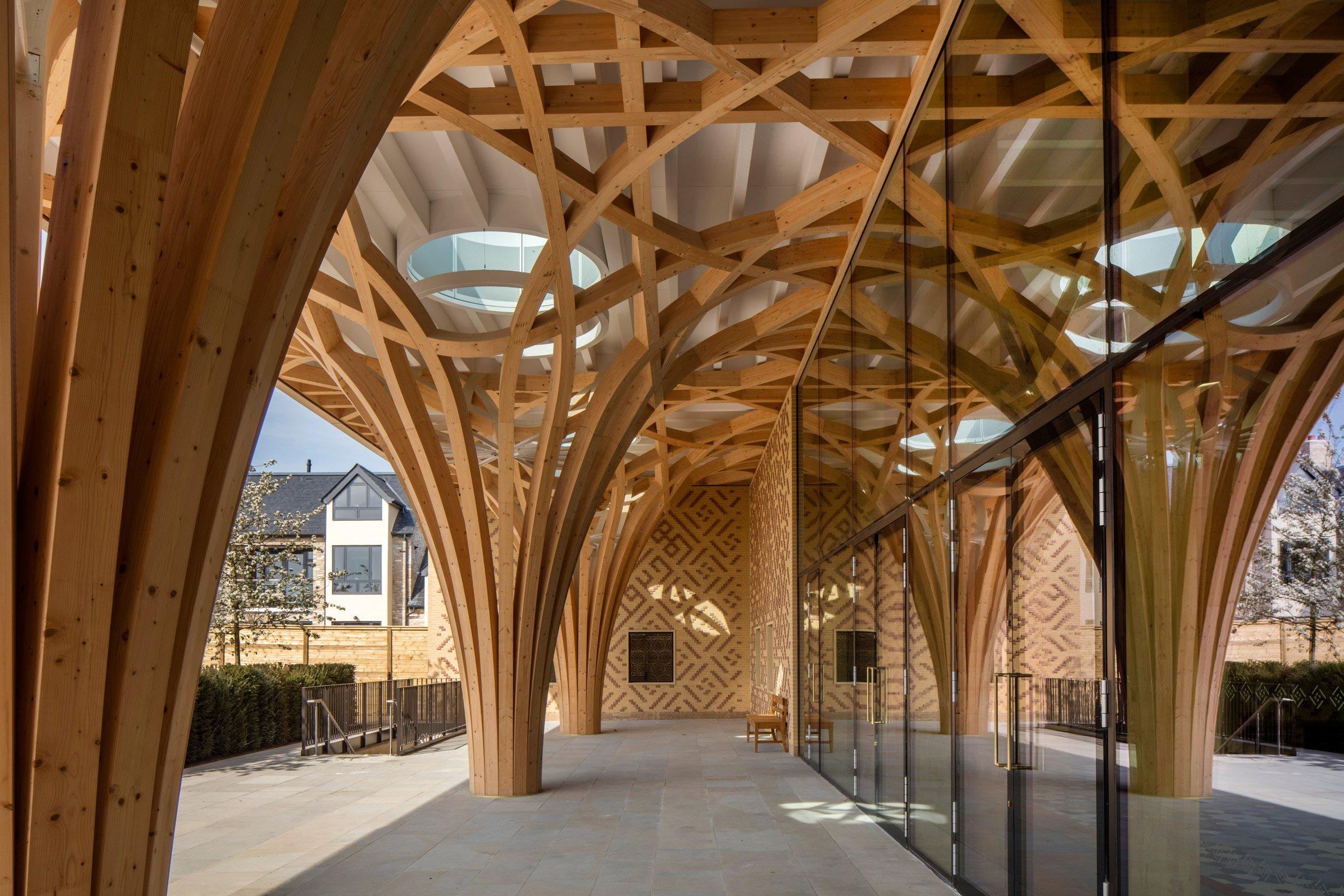 Interwoven timber columns