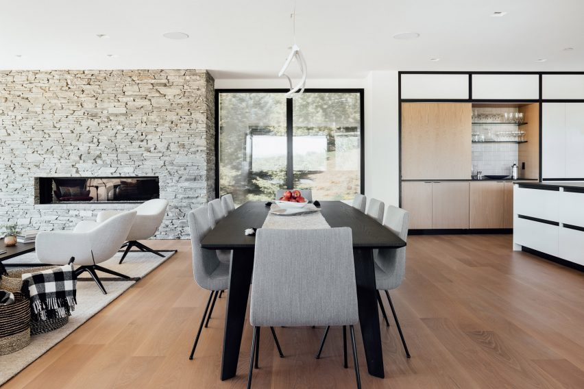 Dining table in Meadows Haus Utah Klima Architecture