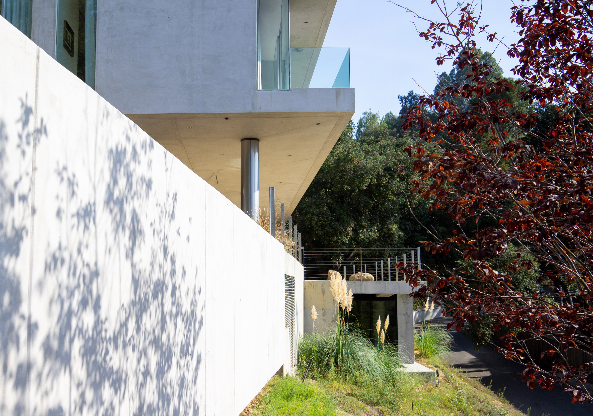 Gerhard Heusch Oak Pass Residence Beverly Hills outside view