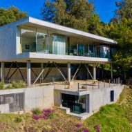 Heusch adds underground concrete office to Beverly Hills house