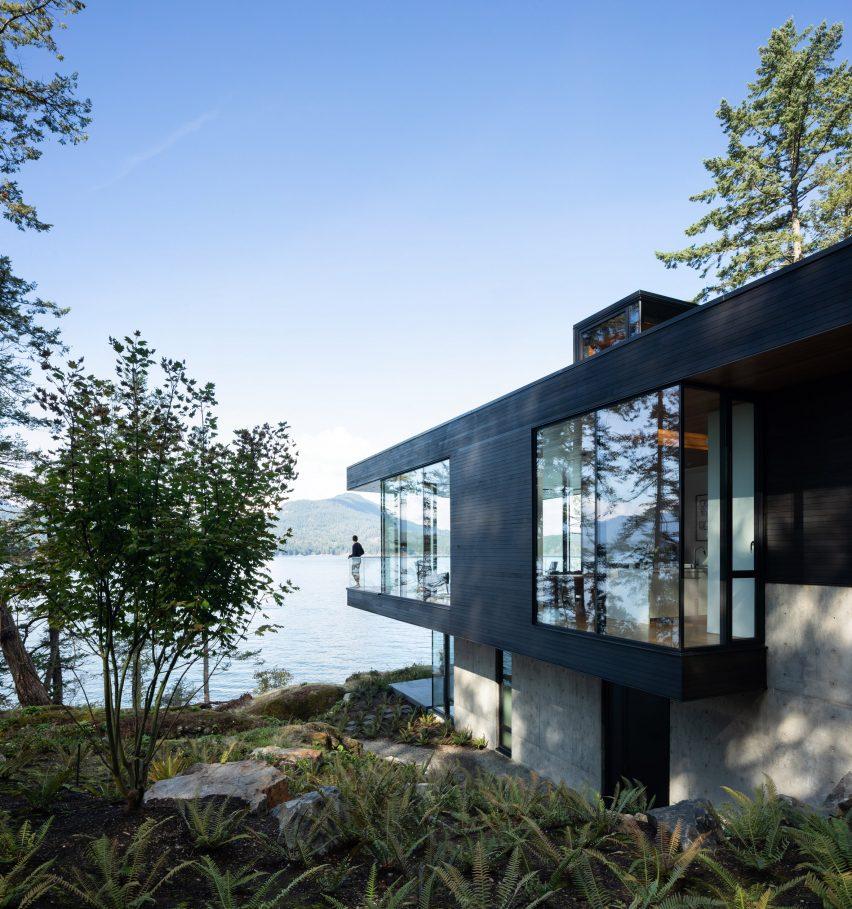 Office of McFarlane Biggar Architects + Designers Bowen Island House British Columbia
