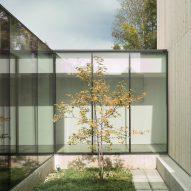 Opaque facades hide interior courtyard of Utah's Host House by Kipp Edick and Joe Sadoski