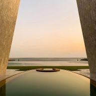 Fabio Novembre creates crescent-shaped villa on artificial island off the coast of Abu Dhabi